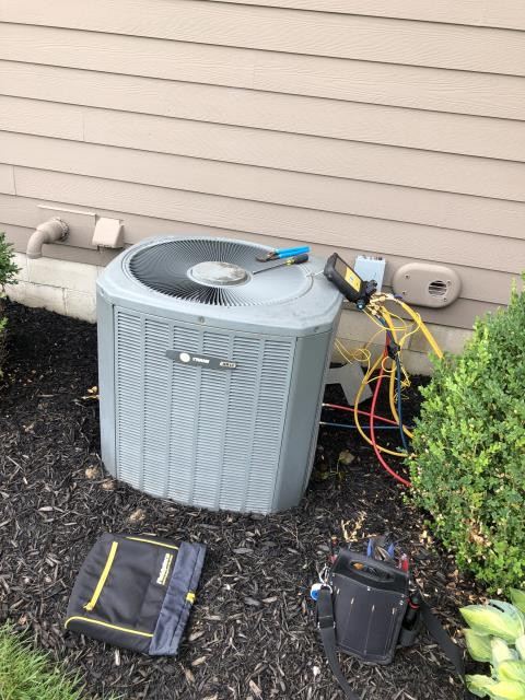 Delaware, OH - AC tuneup on Trane AC. Added 2.5 pounds of refrigerant, otherwise all is functioning properly. In addition, installed customer provided thermostat.