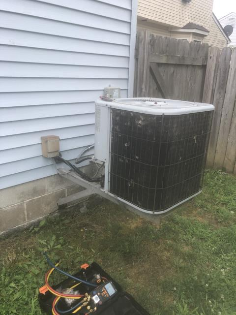 Canal Winchester, OH - Found water around furnace area found dirty filter. When blower starts up, noise is heard indicating start windings failure of blower motor.Told customer before I cleaned motor that motor will not be used to the Torque it will now generate with it being clean and could fail at any time, customer still wanted me to clean blower. Blower is original to the 25 years old Lennox System .