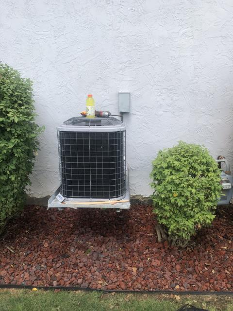 Groveport, OH - I replaced the Compressor-Motor Surge Capacitor in the 2012 Comfortmaker Air Conditioner