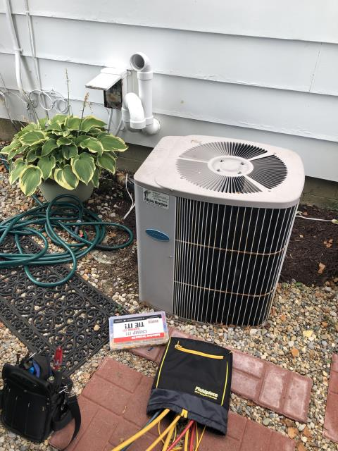 Hilliard, OH - Upon arrival found condenser unit on the 1991 Carrier not operational, After further diagnostic discovered that the dual capacitor is bad and also the lead wire to the compressor was burned up, Replaced 50/5 dual capacitor and repaired bad lead wire to compressor, System kicked on, checked amp draw on compressor, compressor is over amping and that is why it burned up wires and will definitely happen again,