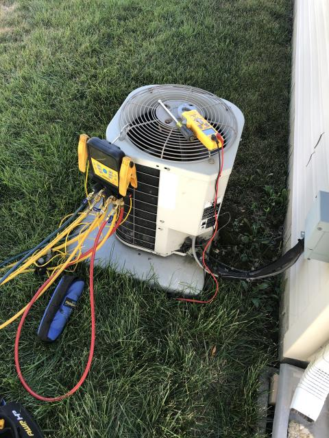 Columbus, OH - Found Bryant AC with faulty compressor motor surge capacitor. Customer was falsely informed about how the system works. Customer wants to get a second opinion. System is not operational at departure.