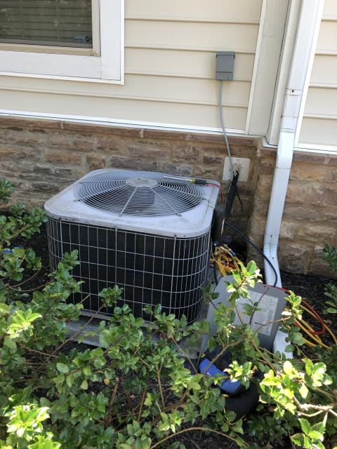 Hilliard, OH - Found Carrier AC low on refrigerant, indicating a leak in the system. Quoted repairs for customer.