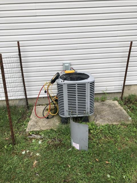 Groveport, OH - Found outdoor Ameristar AC with faulty board. Part and sensors will need to be replaced. On order, and will return to install upon arrival