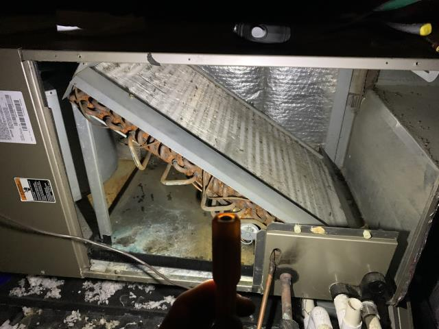 Granville, OH - This 12 Year old HP has to much condensation and Mold. I found that there is No return, air handler starving for air