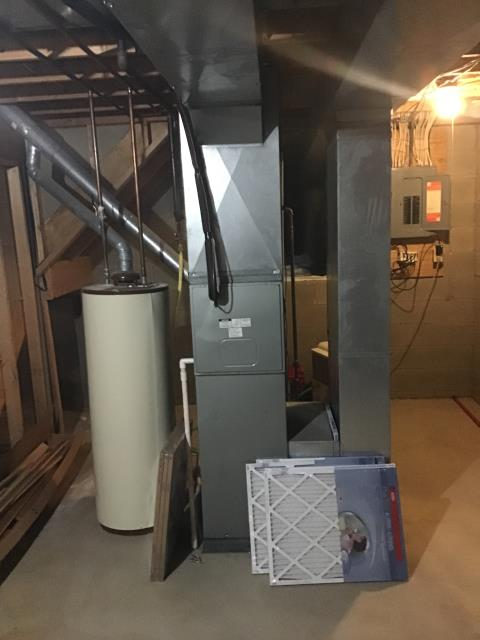 Groveport, OH - I am Performing our Five Star Tune-Up & Safety Check on a 1994 Rheem   Gas Furnace. All readings were within manufacturer's specifications, unit operating properly at this time.