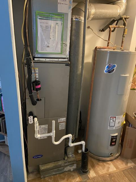 Groveport, OH - Upon arrival for callback on 2020 Carrier furnace, I found customer burns a lot of candles and has never had duct work cleaned as far as she knows. System is running as intended and tech believes cause of filters getting dirty is due to the aforementioned things.
