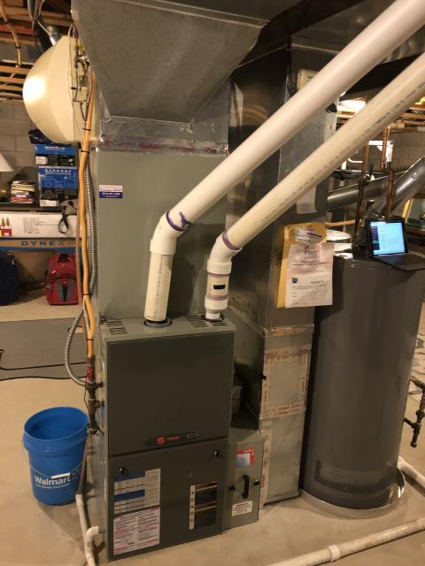 Powell, OH - I provided an estimate for a Carrier 96% Two-Stage 100,000 BTU Gas Furnace and Carrier 17 SEER 2 STAGE 4 Ton Air Conditioner to replace customer's existing 2008 Trane gas furnace (pictured below) and AC.