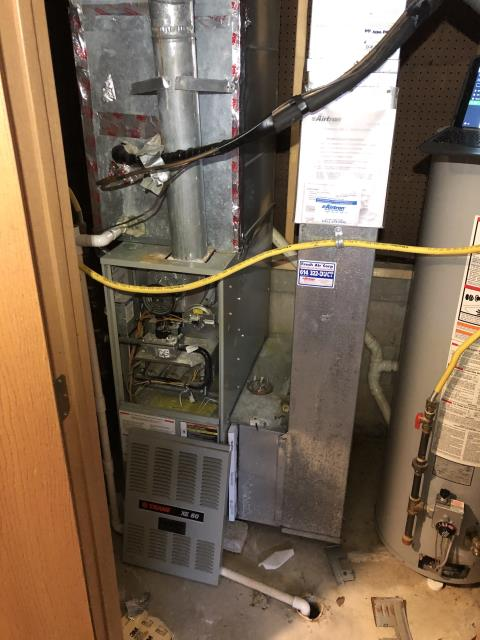 Blacklick, OH - I gave an estimate to replace a 2000 Trane Gas Furnace. I recommend replacing with a Carrier 80% 45,000 BTU Gas Furnace  Included in the estimate is a 1 year free service maintenance agreement.
