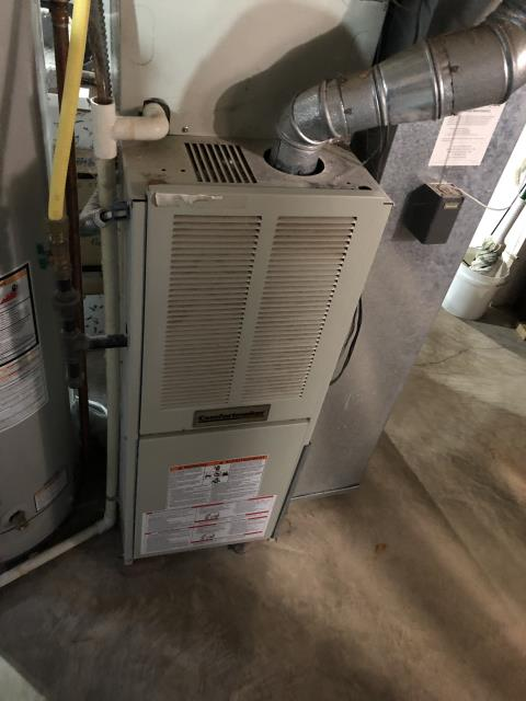 Delaware, OH - I gave an estimate to replace a 2001 Comfortmaker Gas Furnace and Air Conditioner. I recommend replacing it with a Carrier 80% 70,000 BTU Gas Furnace and a Carrier 16 SEER 3 Ton Air Conditioner. Included in the estimate is a 1 year free service maintenance agreement and Aprilaire 600m Humidifier.