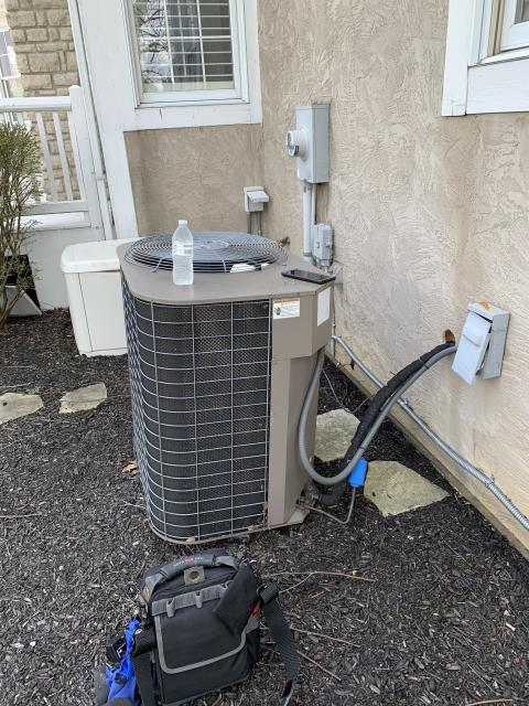 Powell, OH - I completed a diagnostic on a Carrier 16 SEER 3.5 Ton Air Conditioner. I determined that the system was wired up wrong, I corrected wiring and system was operational at time of departure.