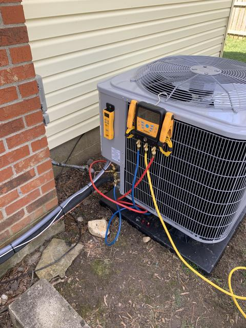 Pickerington, OH - I completed an installation inspection on a Carrier 14 SEER 2.5 Ton Heat Pump.  Completed installation checklist.  Cycled and monitored the system.  Operating normally at this time.