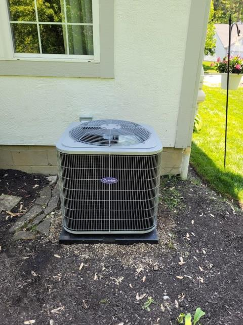 Reynoldsburg, OH - After removing the unlabeled air conditioner, I installed a Carrier 13 SEER 3.5 Ton Air Conditioner.  Cycled and monitored the system.  Operating normally at this time.  Included with the installation is a free 1 year service maintenance agreement.