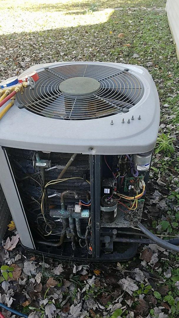 Summerville, SC - Trane Heat pump repair.