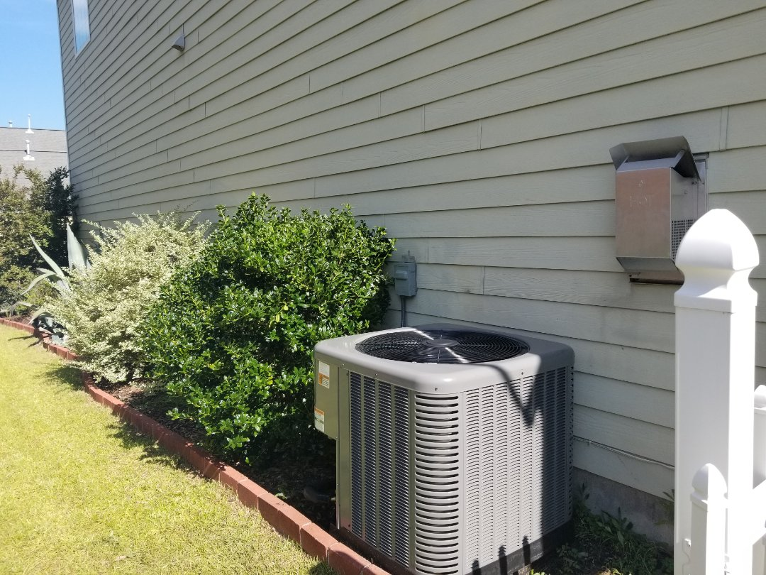 Summerville, SC - Furnace coil and condenser change out in White Gables