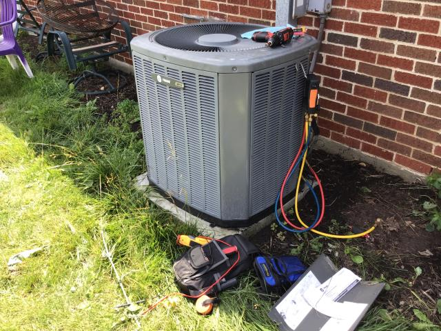 Kettering, OH - Diagnostic performed on a TRANE cooling system. Customer provided estimate to replace with a Carrier 80% 70,000 BTU Gas Furnace and Carrier 16 SEER 3 Ton Air Conditioner.