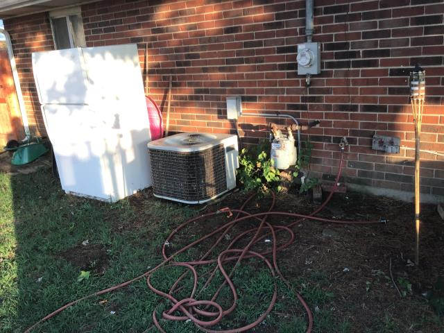 Xenia, OH - Kenmore ac repair, leak in evap coil, sealed with easy seal and added 2 lbs of r22