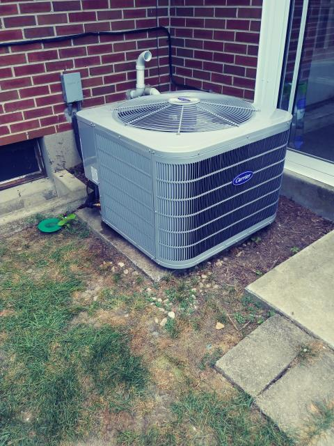 Centerville, OH - Performing our Five Star Tune-Up & Safety Check on a 2019 Carrier Air Conditioner 16 SEER 3 Ton. All is operating properly at this time.