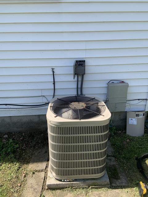 Beavercreek, OH - Diagnostic performed on a 2008 Ducane air conditioning unit.