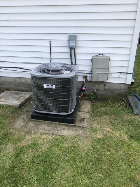 Beavercreek, OH - Installed Five Star 13 SEER 2 Ton Air Conditioner for Fairborn customer.