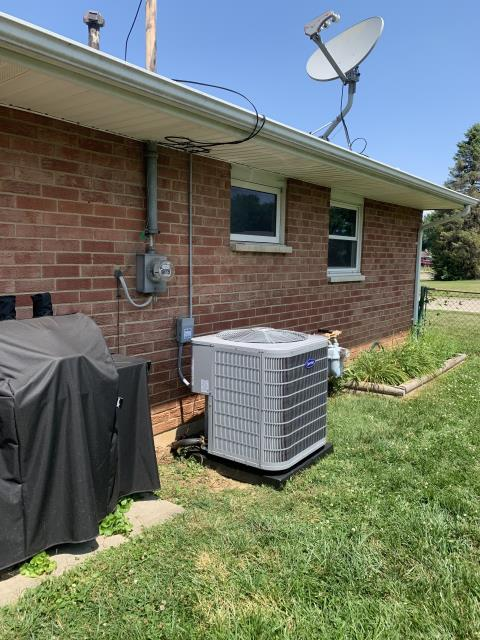 Xenia, OH - Indoor unit was freezing up at coil and on lines outside Checked pressures and found the 1991 Career unit to be low on r22 . Added refrigerant to bring unit within operational specs. Customer has decided to purchase a new ac.
