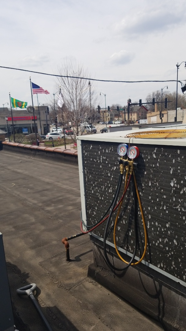 Skokie, IL - Rooftop Unit Service Call