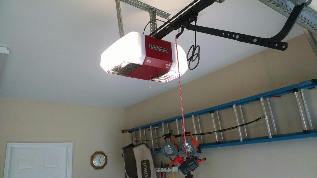 Suwanee, GA - Replaced 2 openers with Liftmaster