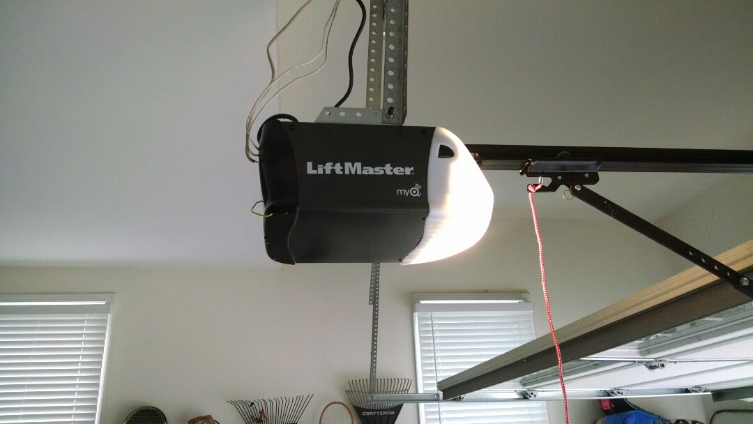 Lawrenceville, GA - Replace garage door opener. Installing liftmaster belt drive.