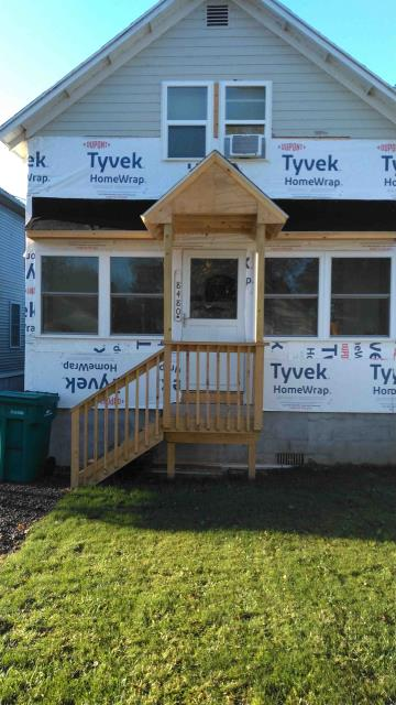 Sodus Point, NY - Soon this nice Sodus Point NY home will have a new facelift with Variform American Herald D4 Deep Brunswick & Trim.  Thank you for buying from our locally owned Independent distributor Lakeside Roofing & Siding Materials, Inc. Since 1977
