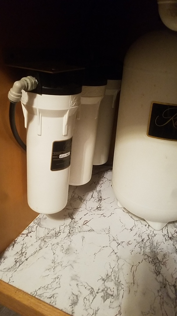 Grand Mound, IA - Changing filter in UF50 drinking system