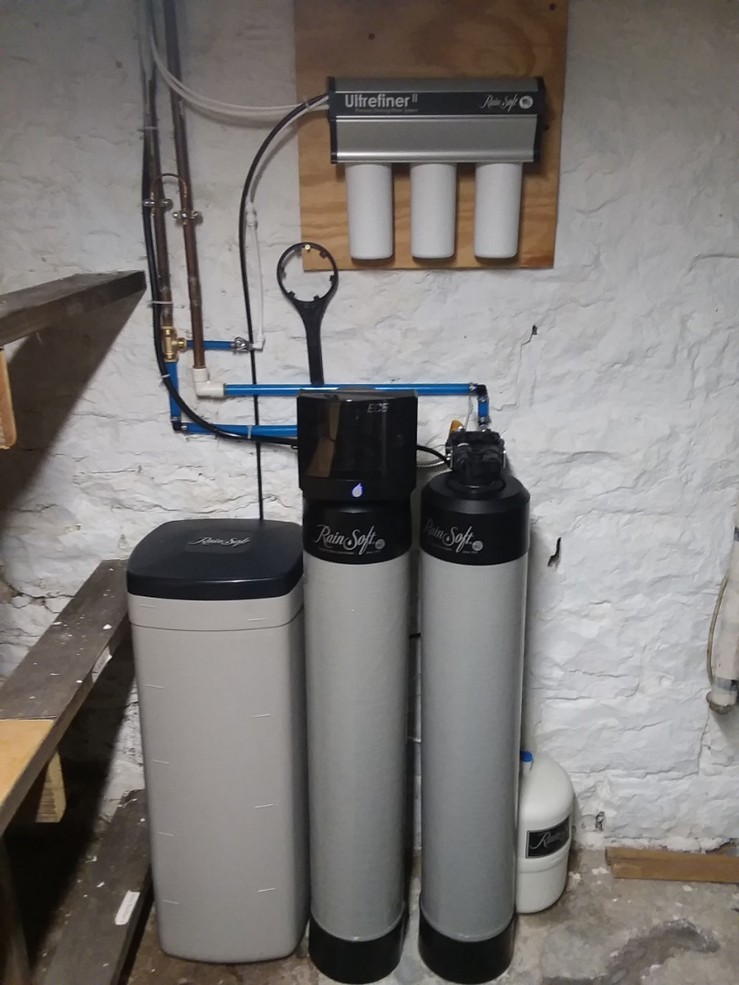 Fairbank, IA - Changing out filters on the Rainsoft UF50 drinking system and changing the whole house chlorine filter!