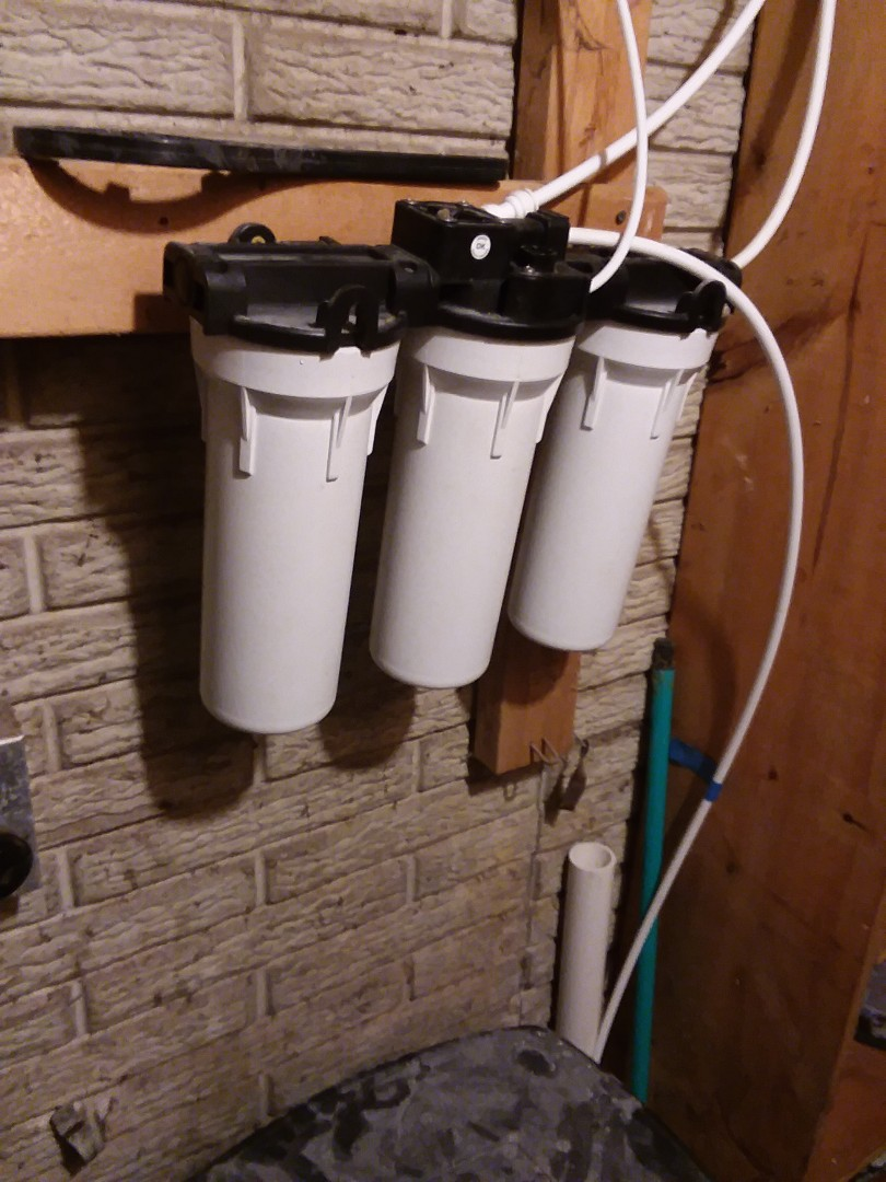Cedar Rapids, IA - Changed filters in UFII water purification system. Providing rainsoft customer with excellent drinking water