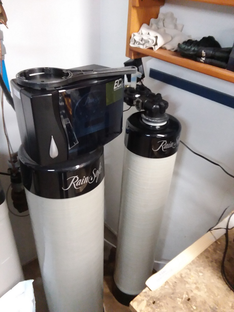 Waterloo, IA - Changed customers chlorine filter. Providing rainsoft customer with safe water that won't damage appliances