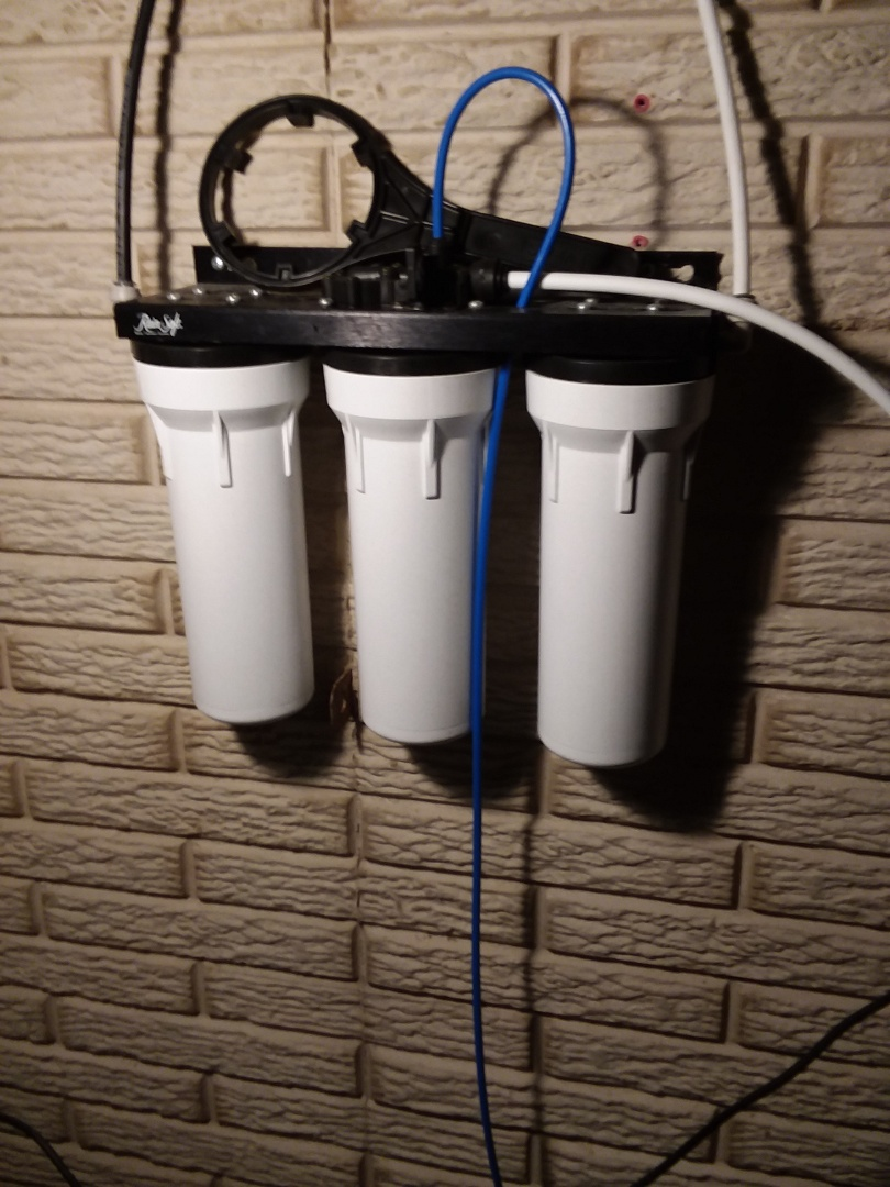 Norway, IA - Changed filters on UF50 water purification system. Providing rainsoft customer with excellent drinking water free of contaminates