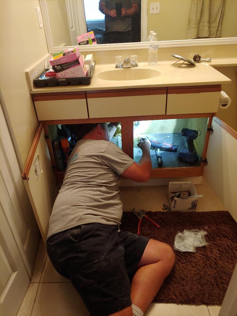 Jacksonville, FL - 3 bedroom 2 bath repipe