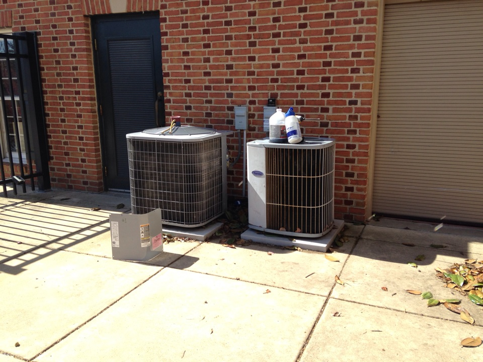 Sterling, VA - Chemically cleaning condenser coils and replacing a contactor and a capacitor.