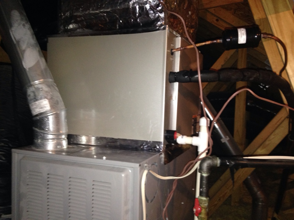 Aldie, VA - Replaced a leaking Comfortmaker evap coil with a carrier evap coil.