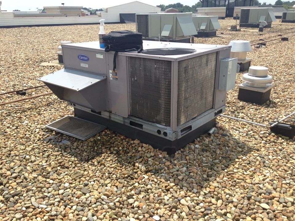Gainesville, VA - Replaced a leaking compressor on a carrier roof top unit.