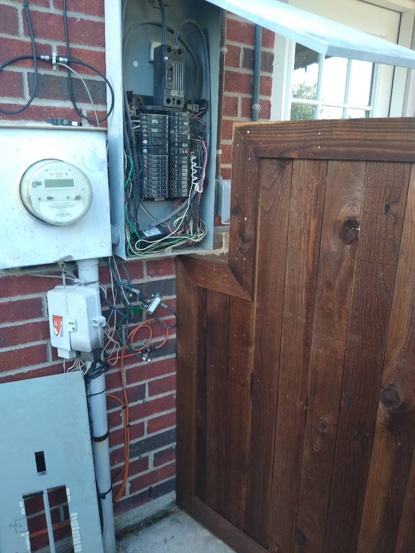 Fort Worth, TX - Replacing panel and adding grounding to home