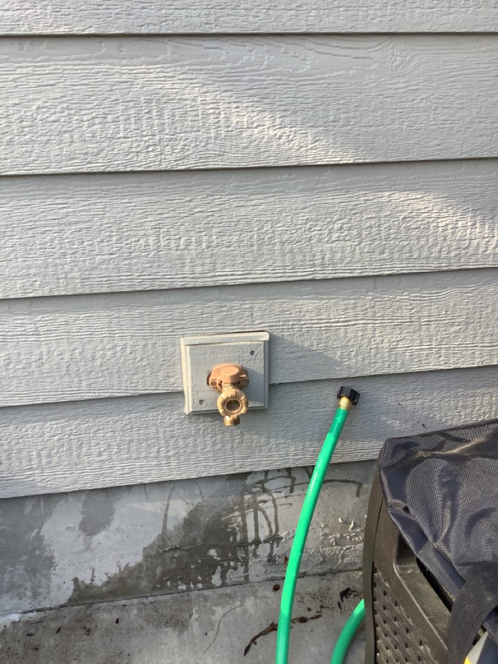 Bend, OR - Split/ burst hose bib. Pulled old hose bib out and exposed pex pipe. Cut pex, installed new expansion ring and new hose bib!