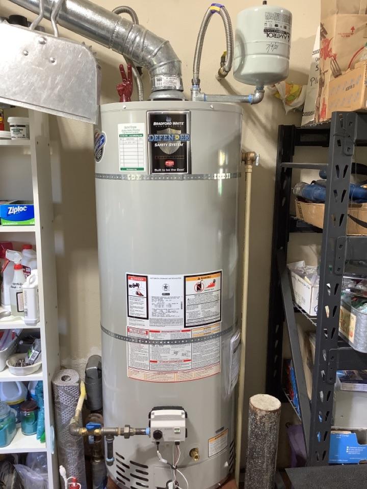 Redmond, OR - New 50 gal gas Bradford White water heater install!