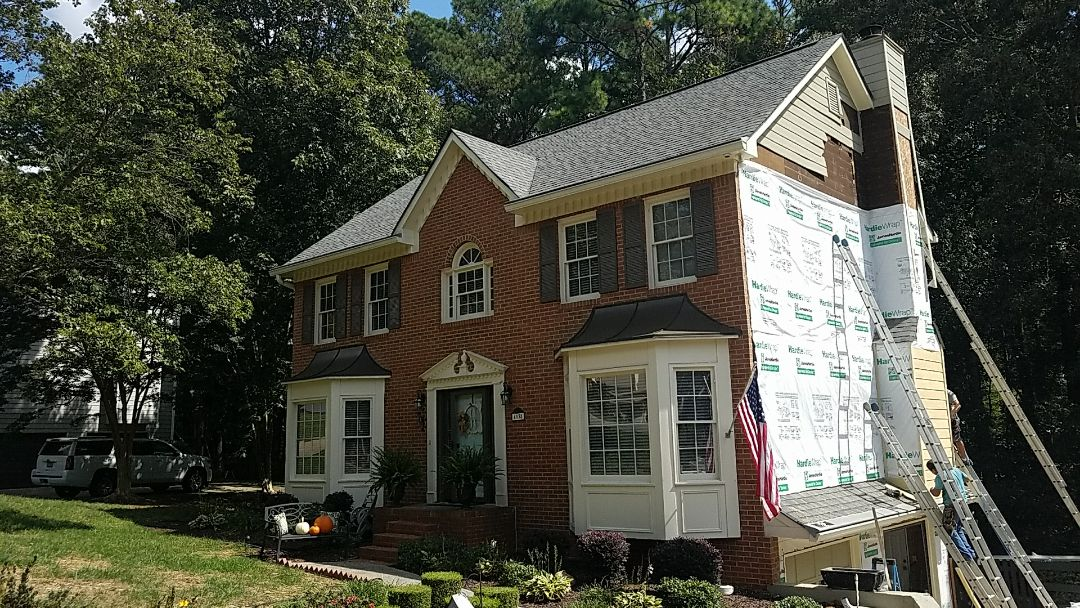 Woodstock, GA - Removing and installing new Hardieplank Siding and Painting it.