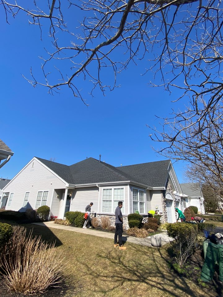 Hamilton Township, NJ - Project completion inspection. New GAF shingle roof