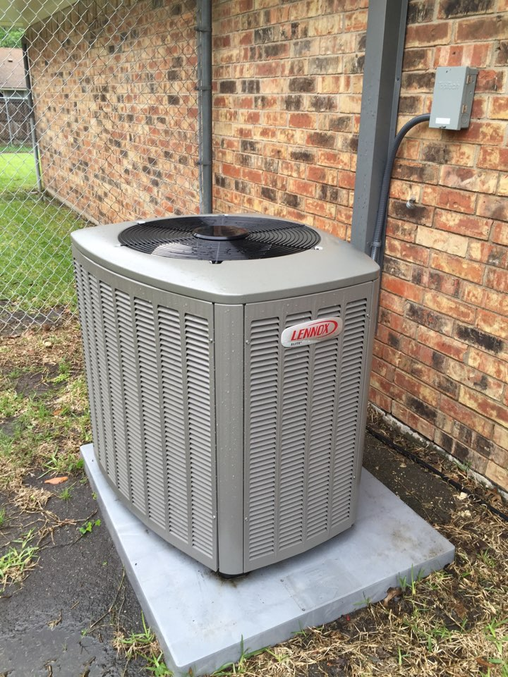 Richardson, TX - Lennox air-conditioner spring tuneup and maintenance