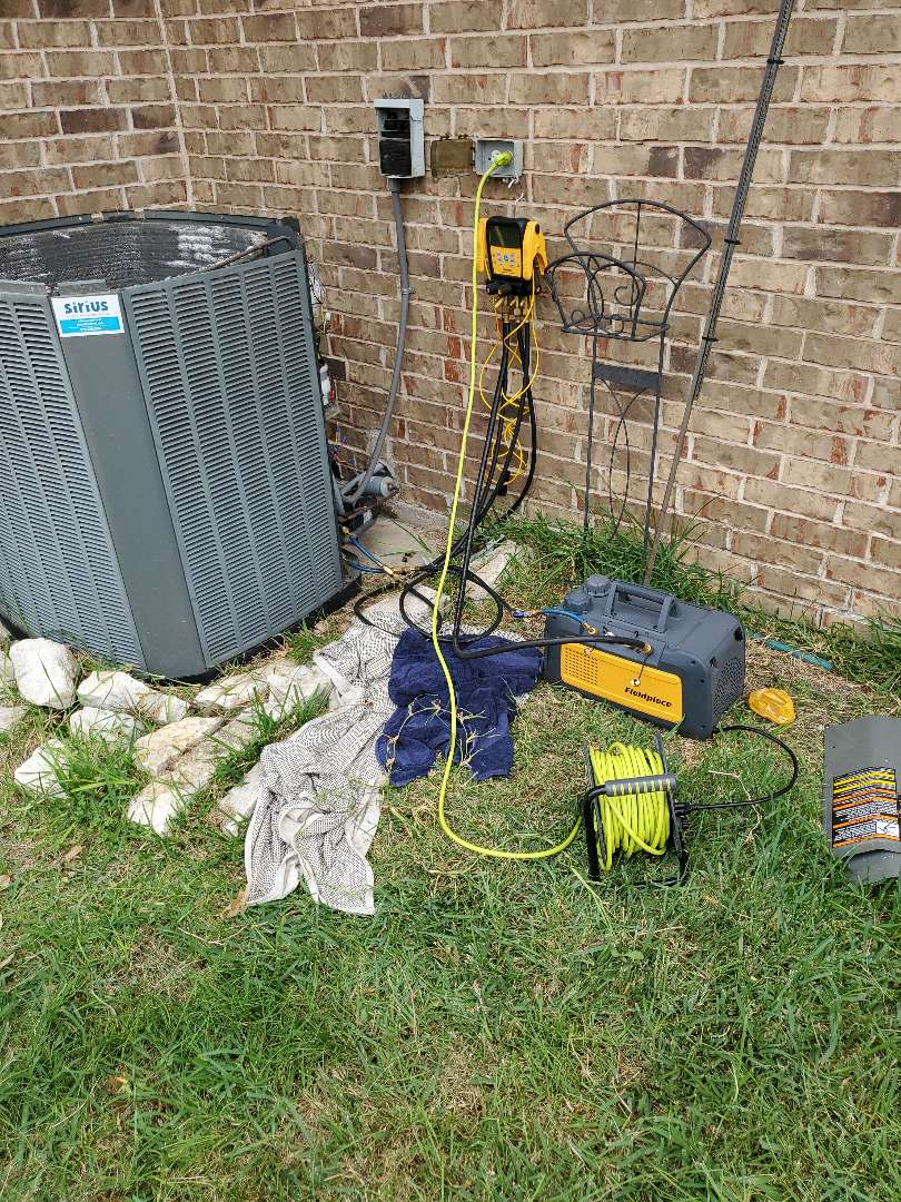 Lewisville, TX - Air conditioning service. Made an AC repair to keep the system running properly.