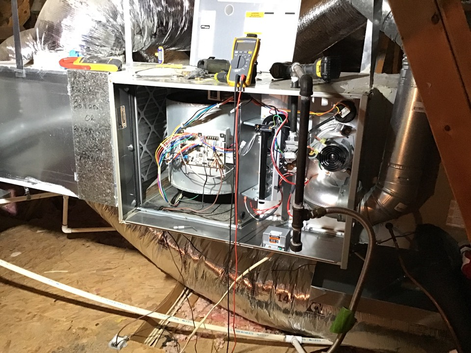 Flower Mound, TX - Completed annual heating tune up and safety check on CARRIER gas equipment in FLOWER MOUND. Made some minor adjustments and recommendations, equipment is ready for the coldest day of the year.
