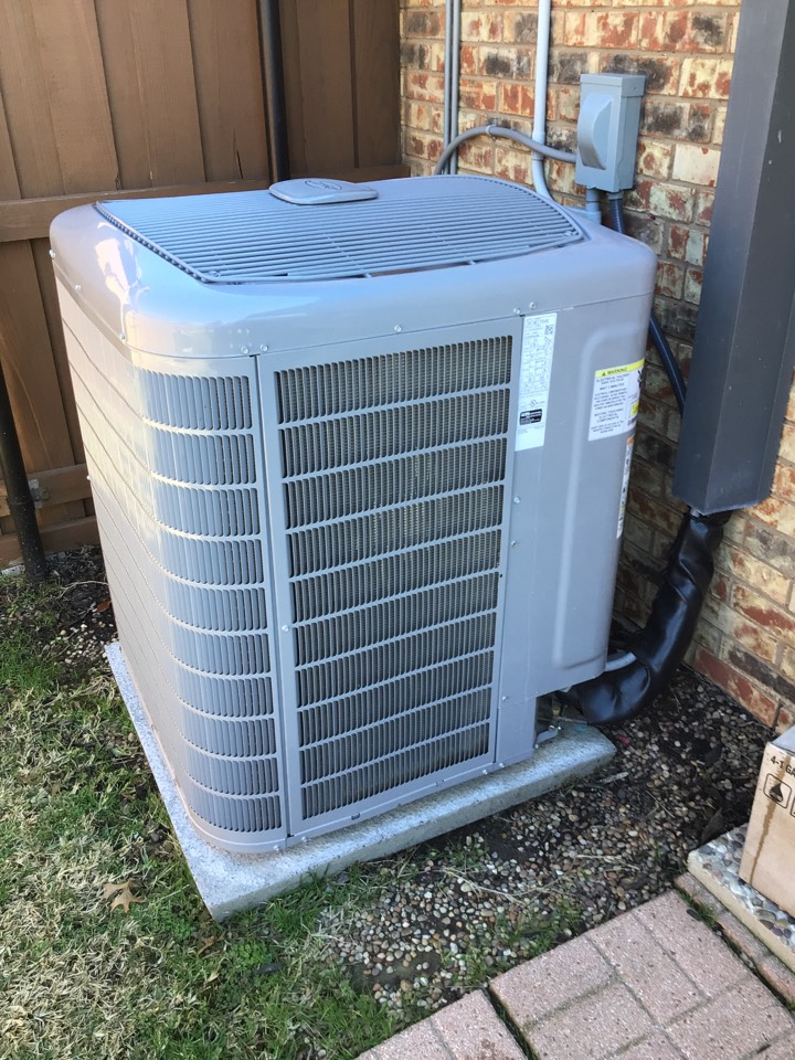Coppell, TX - Performing an AC tune up on one Carrier system