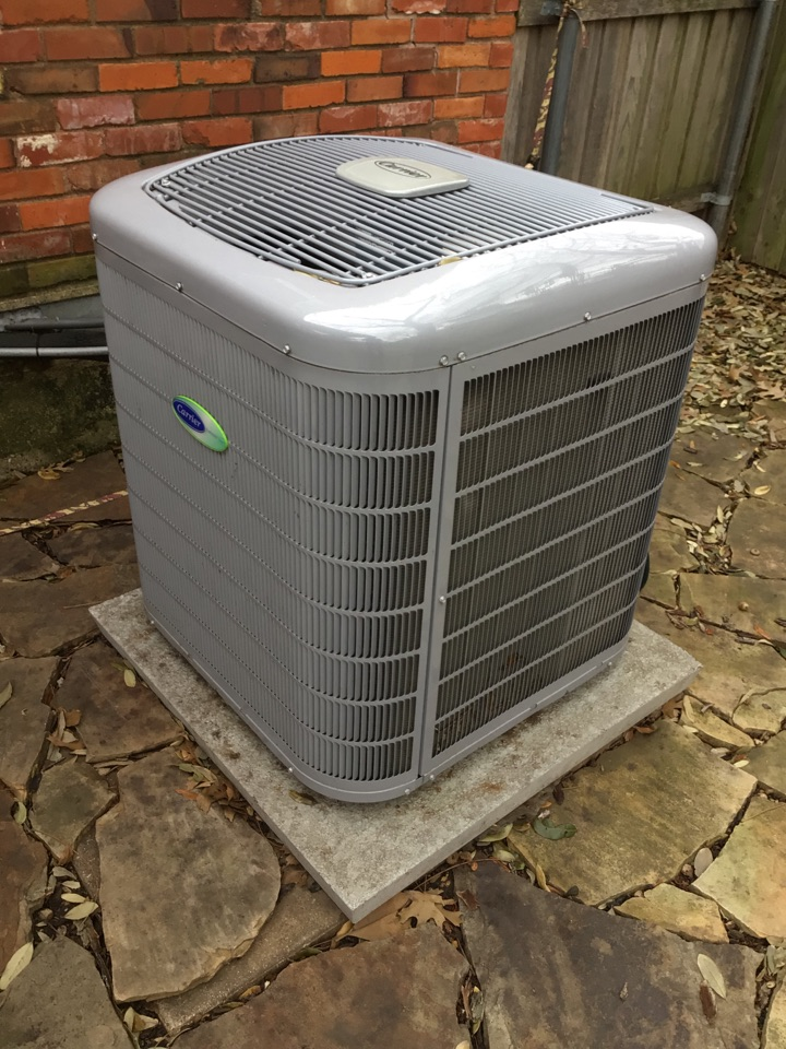 Farmers Branch, TX - Performing a cooling tune up on one Carrier system