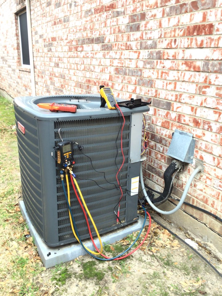 Little Elm, TX - Completed annual air conditioning tune up and safety check on a GOODMAN AC system in Little Elm. All checks ok at this time.