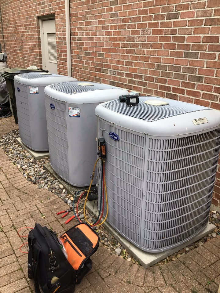 Plano, TX - Performing a cooling tune up on five Carrier systems