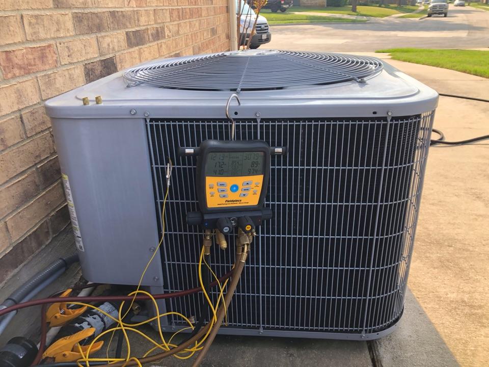 Flower Mound, TX - CARRIER AC maintenance, heat pump